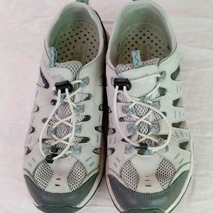 Easy Spirit trail / water shoes 8.5